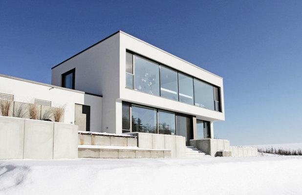 Modern Häuser by Fußner-Kühne Architekten