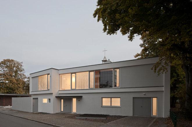 Contemporary Exterior by wiewiorra hopp schwark architekten