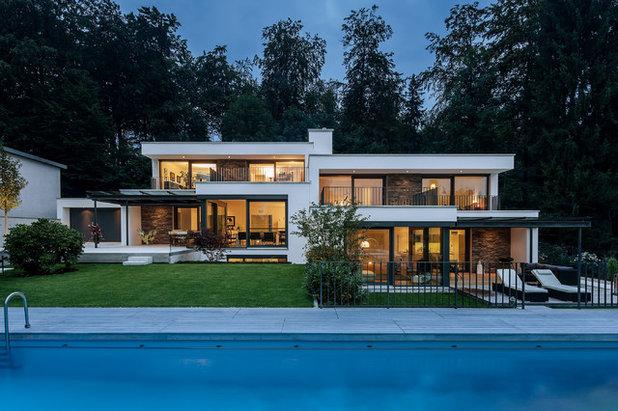Modern Häuser by Kutschker Leischner Architekten