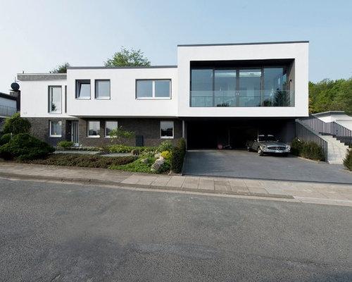 Zweistöckiges, Weißes Modernes Haus Mit Flachdach Und Mix Fassade In  Sonstige