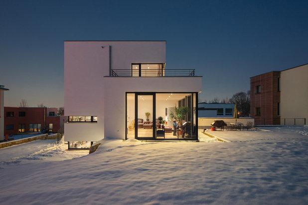 Moderno Facciata by Architekturfotografie Steffen Spitzner
