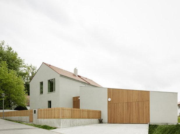 Modern Häuser by CAMA A