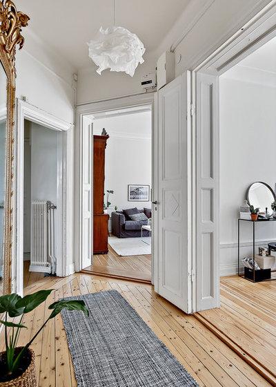 Scandinave Couloir by Wida Design