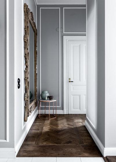 Victorian Hallway & Landing by Henrik Nero