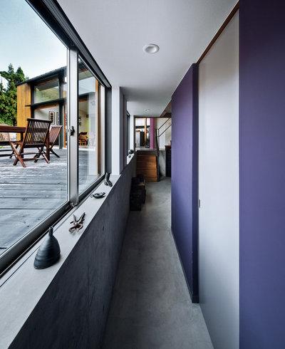 廊下 by UZU architects