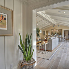 beach style hall by Spinnaker Development
