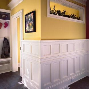 Immagine di un ingresso o corridoio tradizionale