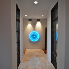 Contemporary Hall by Kyle Lindsey Custom Homes