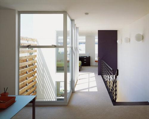 Couloir moderne carrelage d 39 entr e d 39 immeuble photos et for Decoration couloir d entree moderne