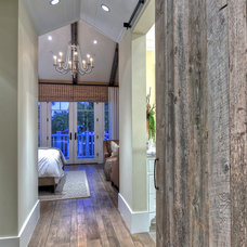 Traditional Hall by Spinnaker Development