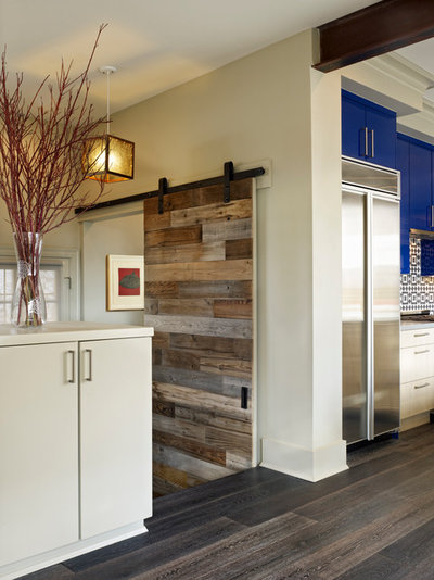 Contemporary Hall by GRUBER HOME REMODELING