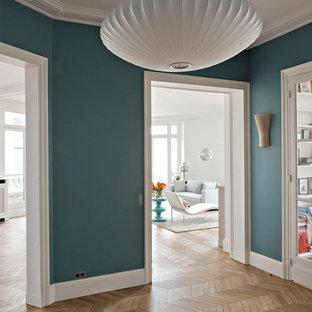 Idées déco pour un couloir contemporain.