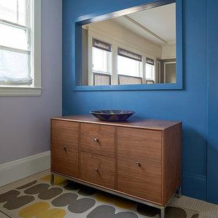 Idéer för att renovera en stor funkis hall, med korkgolv, beiget golv och blå väggar