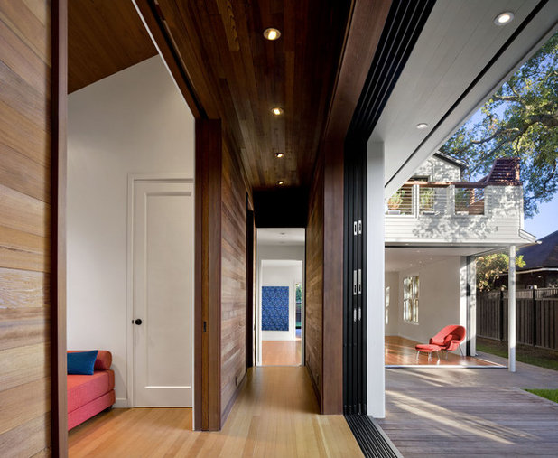 Contemporary Corridor by Cathy Schwabe Architecture