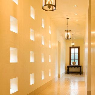 Ejemplo de recibidores y pasillos contemporáneos extra grandes