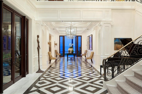 Traditional Hall by ibi designs