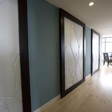 Contemporary Hall by Ami Samuel Interiors