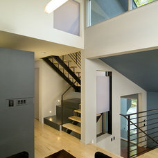 Contemporary Hall by KUBE architecture