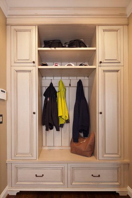hall wardrobe/coat closet