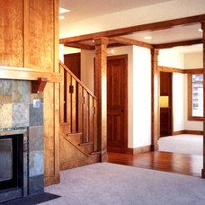 Traditional Hall by David Vandervort Architects