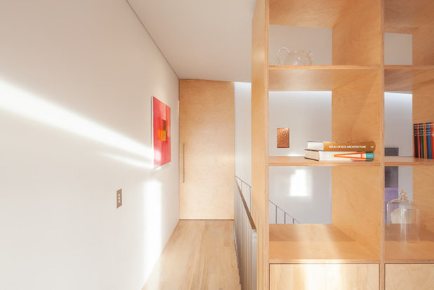 Contemporary Hall by Benn & Penna Architecture