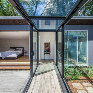 Balmain Residence - Glass Walkway by studioJLA