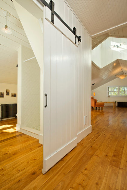 Farmhouse Hall by Phinney Design Group