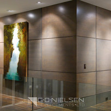 Contemporary Hall by Rommel Design Ltd.