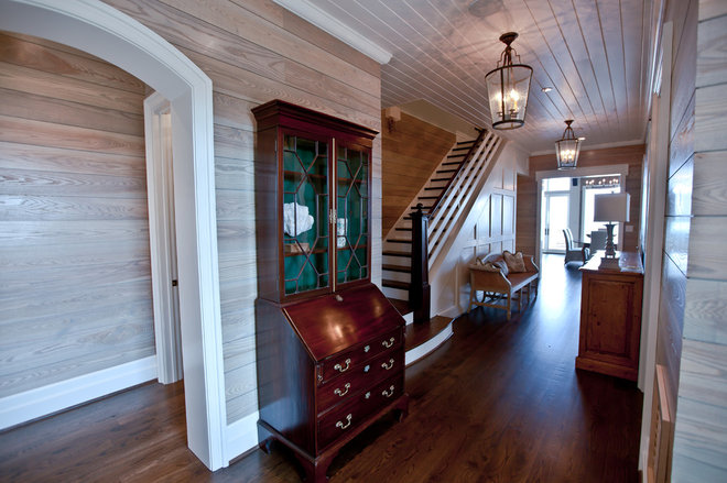 Beach Style Hall by Andrew Roby General Contractors
