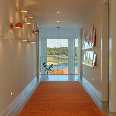 Beach Style Hall by David Howell Design