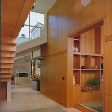 Contemporary Hall by C Wright Design
