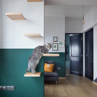 Cette image montre un couloir design.