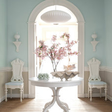Traditional Hall by Benjamin Moore