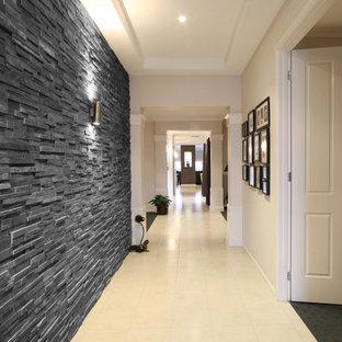 Ispirazione per un ingresso o corridoio minimalista