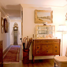 Traditional Hall by Couture Design Associates