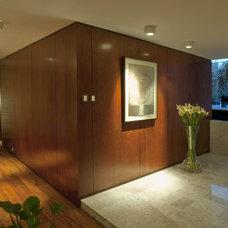 Contemporary Hall by vgzarquitectura y diseño sc