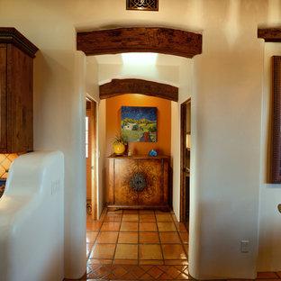 Idée de décoration pour un couloir sud-ouest américain.