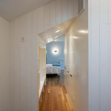 Cape Reno - Master Suite Closet