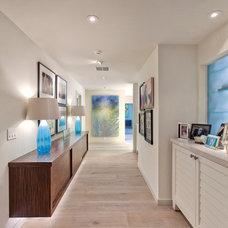 Contemporary Hall by Benning Design Associates