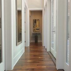 Modern Hall by Ecologic-Studio, llc