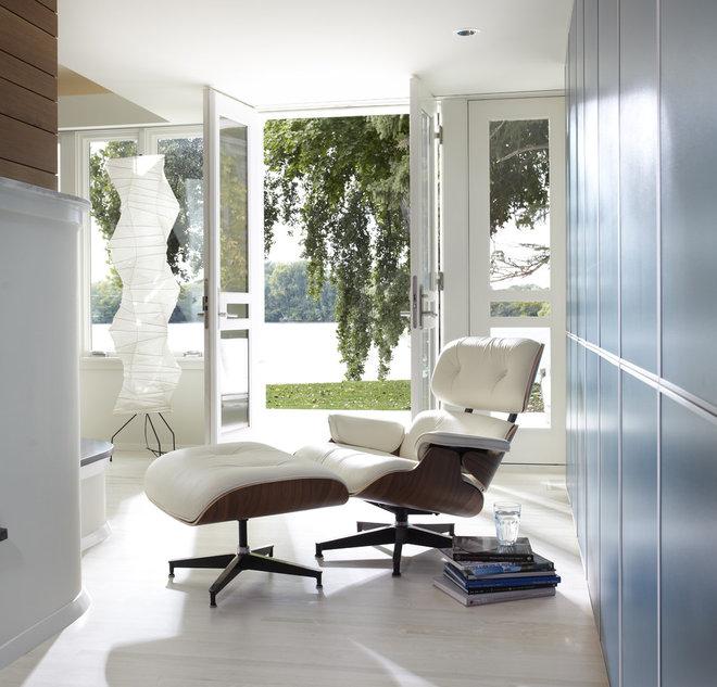 Modern Hall by Peterssen/Keller Architecture