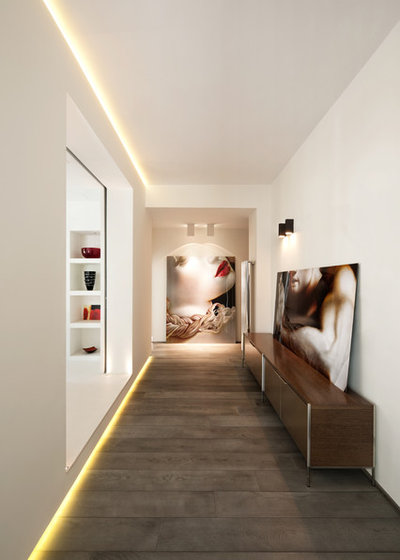 Contemporain Couloir by Carola Vannini Architecture
