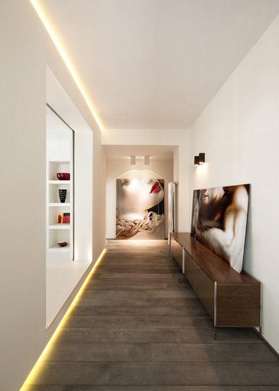 Contemporain Couloir by Carola Vannini Architecture