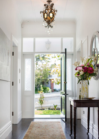 Traditional Hall by Neil McLachlan Interior Design