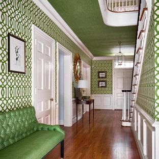 Mittelgroßer Eklektischer Flur mit bunten Wänden und braunem Holzboden in Raleigh