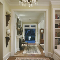 traditional hall by Clifford M. Scholz Architects Inc.