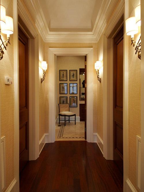 Couloir Avec Un Sol En Bois Fonc Faux Plafond Photos Et Id Es D Co De Couloirs