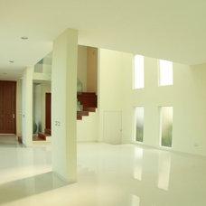 Modern Hall by Carlos Avila ConE
