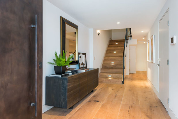 Contemporary Hall by Chroma Colors, Inc.