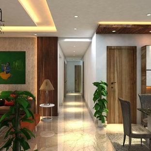 Exemple d'un grand couloir tendance en bois avec un mur gris, un sol en marbre, un sol beige et un plafond décaissé.